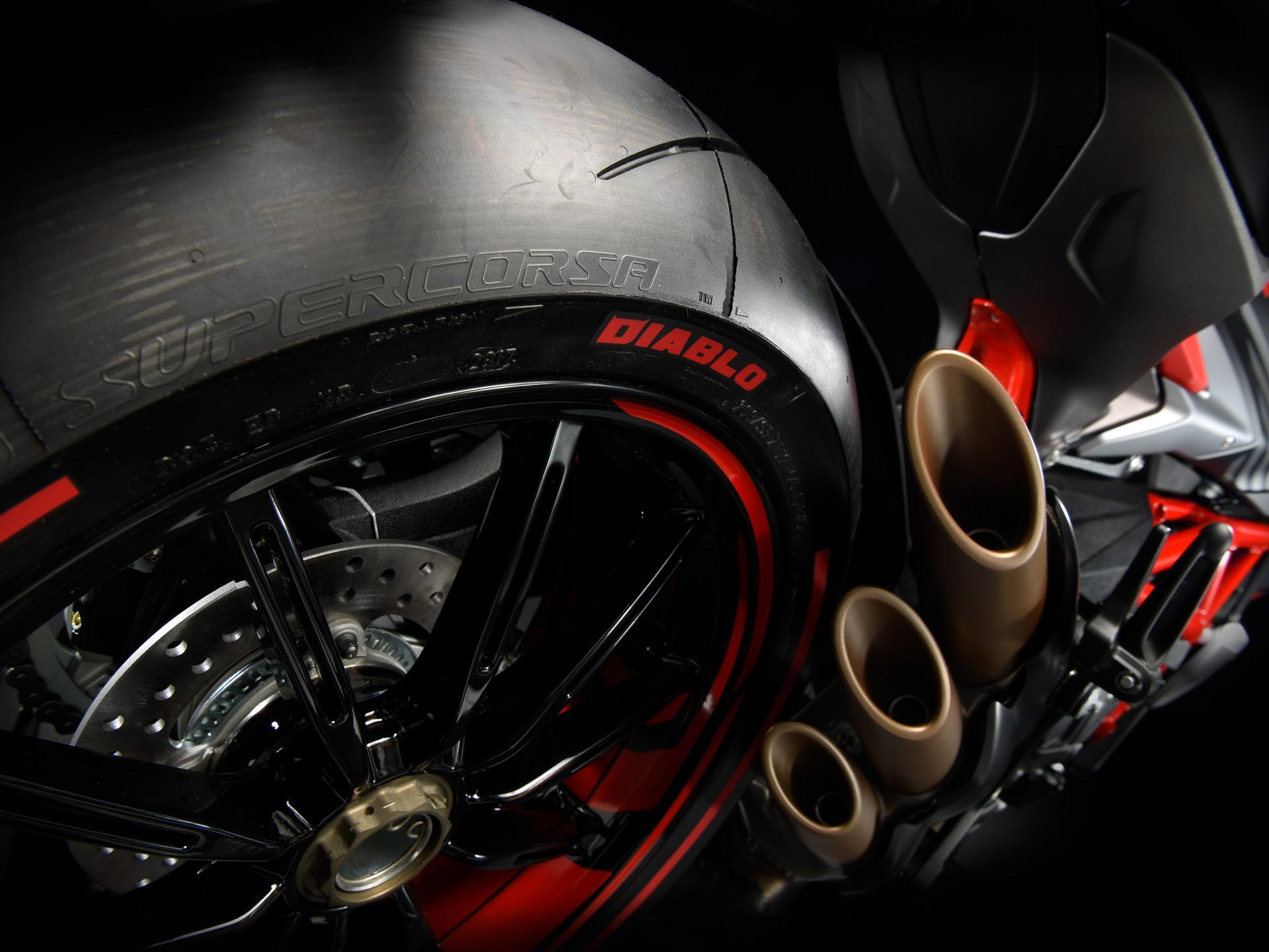 Brutale 800 Pirelli Reifen